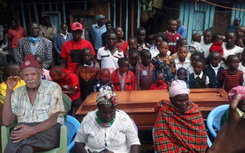 Inside burial of Igembe man with 10 wives, 200 grandchildren as number of mourners limited