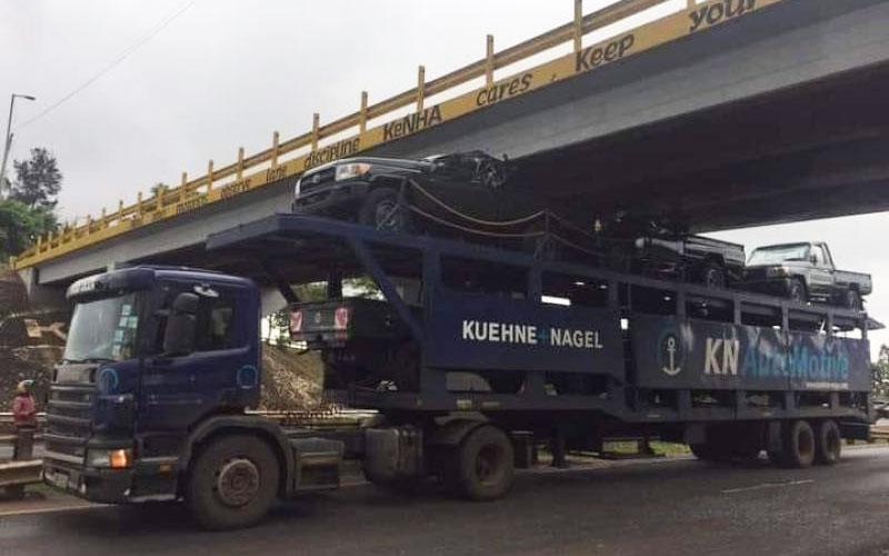 Nairobi-Nyeri highway: Truck hits bridge, three new vehicles destroyed