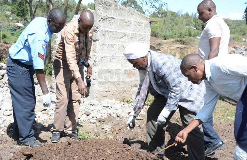 Police pounce on Bishop exhuming relatives' bodies