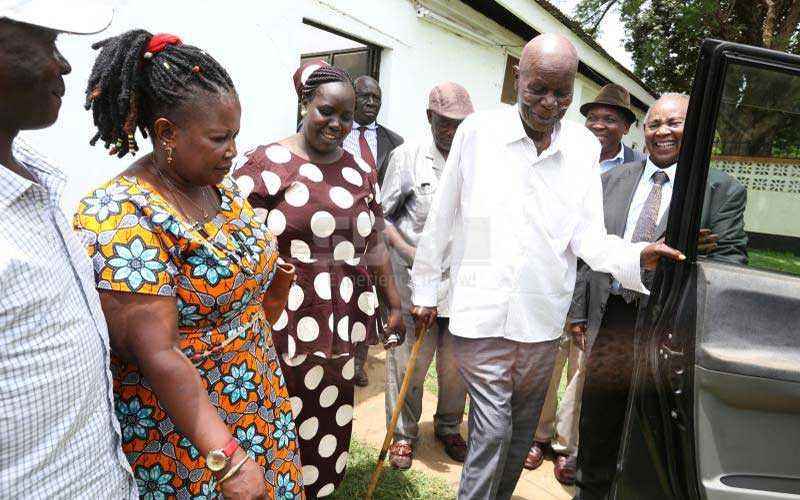 Kalenjin, Gema elders pay Sh300,000 for sick Luo colleague