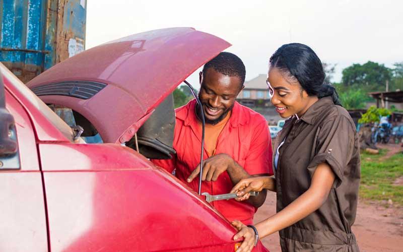 Kenyan women seduce mechanics at 2am