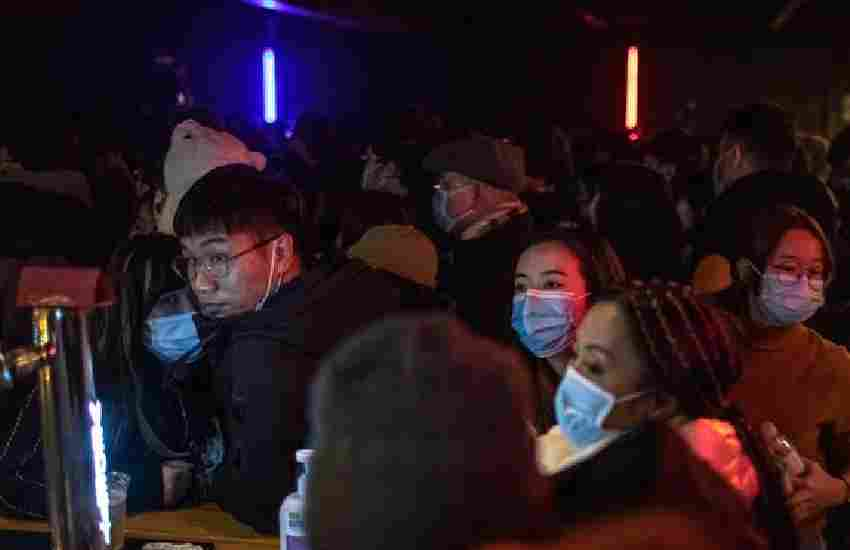 Wuhan locals party in packed clubs after reporting no covid cases