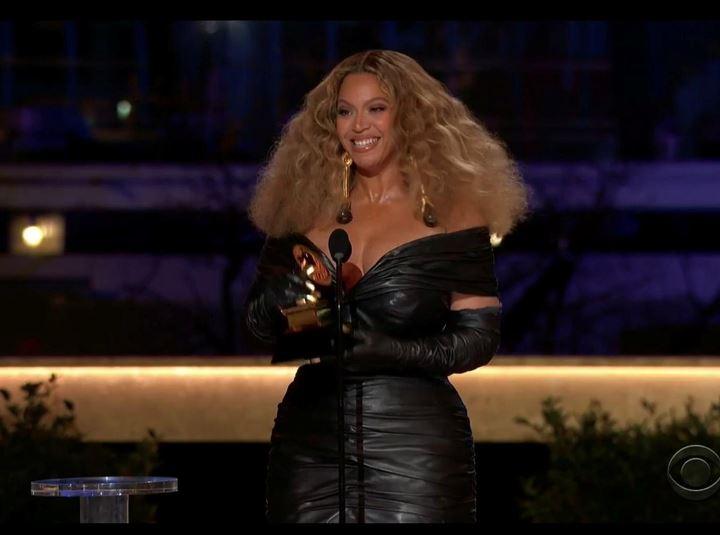 Beyoncé, Taylor Swift make Grammys history