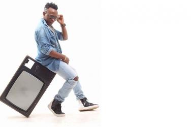 Gospel singer Papa Denis attacked after he brazenly flaunts millions