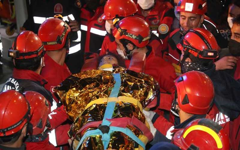 Incredible moment girl is rescued after spending 58 hours buried alive