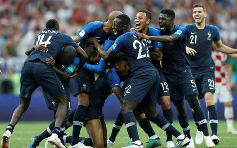 France players celebrate winning the World Cup. Ph