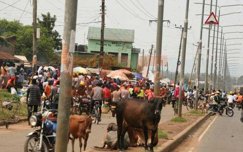 Kisumu: After closure of Kibuye over covid-19, residents build 'corona market'