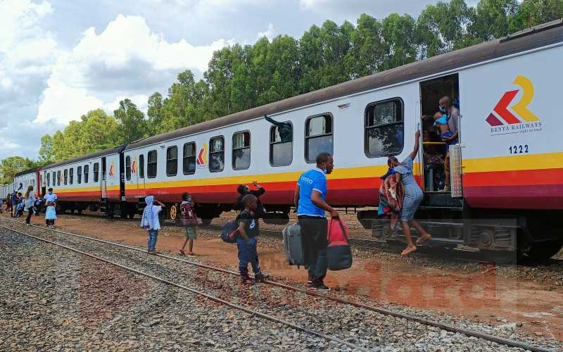 Nanyuki train stalls with 1,500 on board