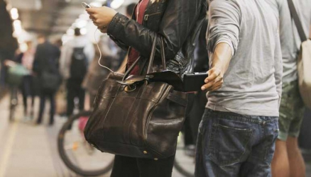 Pickpocket assaults victim after finding fake money in his pocket