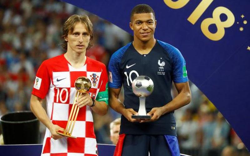 Croatia's Luka Modric poses with the FIFA Golden B