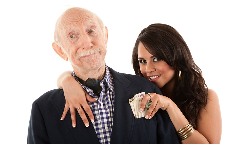 Gold digger alert: Four signs she is only with you for the money