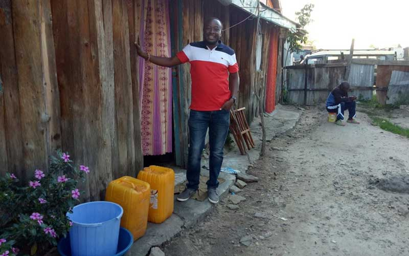 Kenyan BBC journalist reveals photos of shanty he once lived in