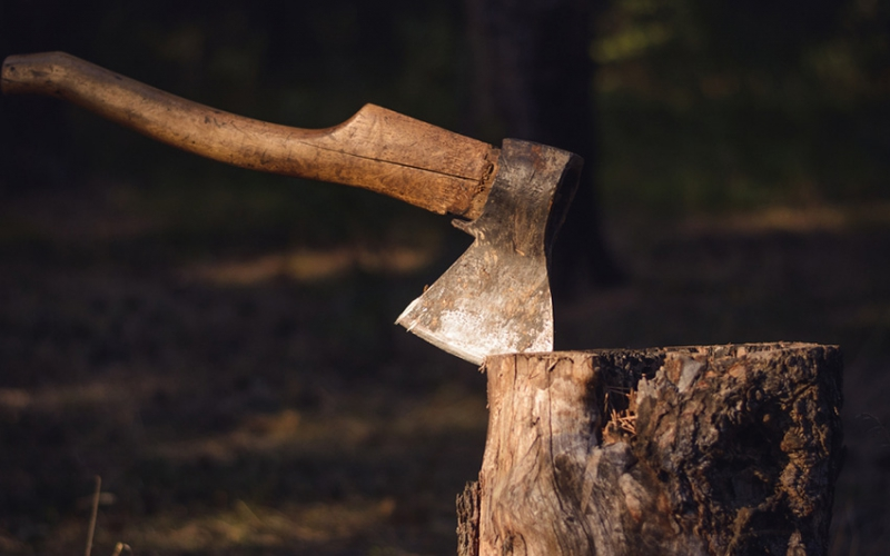 Man hacks father to death with axe for not giving him Sh100