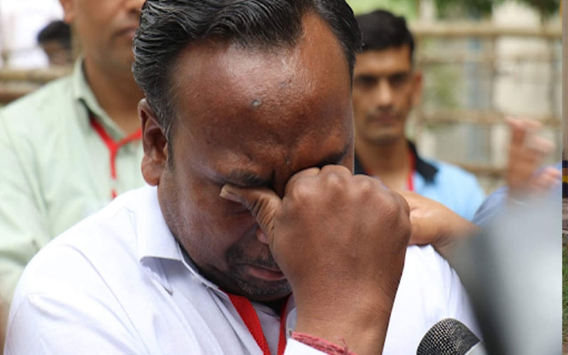 Politician cries after getting '5 votes' despite having 9 relatives