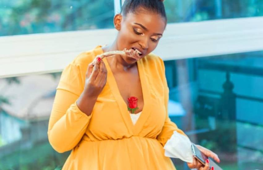 Anerlisa deletes Valentine's eve photos as fans question if she is pregnant