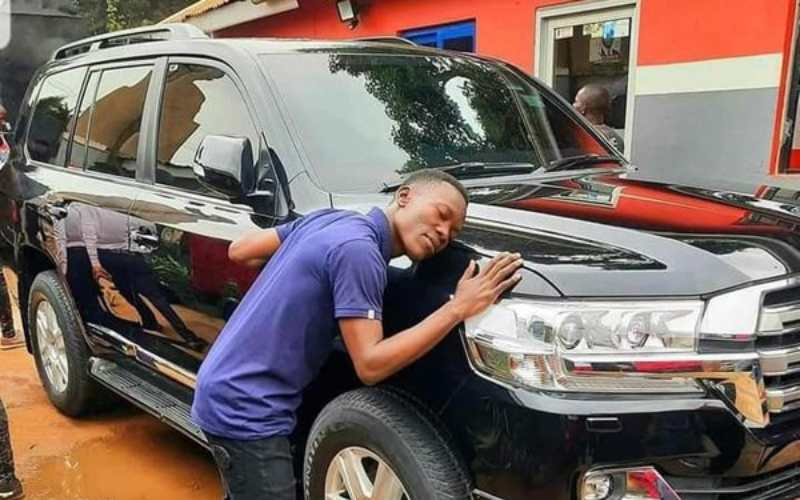 Bobi Wine surrenders armoured car to government