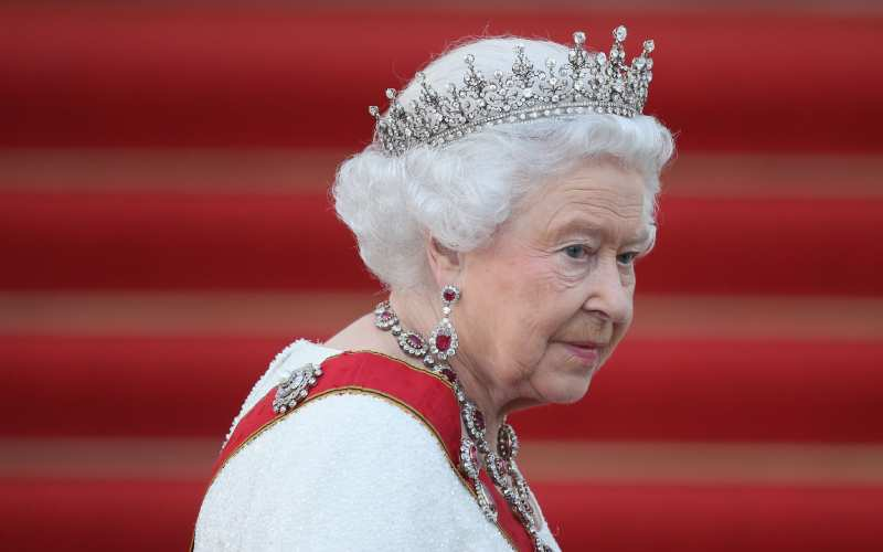 Eight things you're forbidden from doing in the Queen's presence - and what to do instead