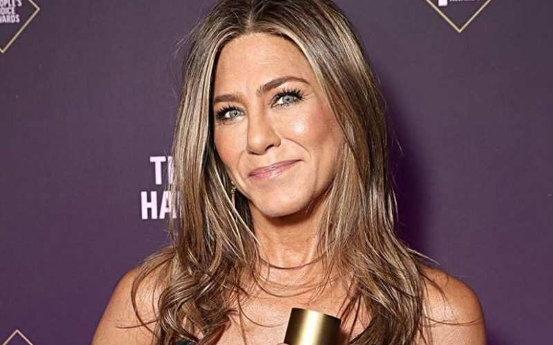 Jennifer Aniston warns fans 'It's not funny to vote for Kanye West' in US election