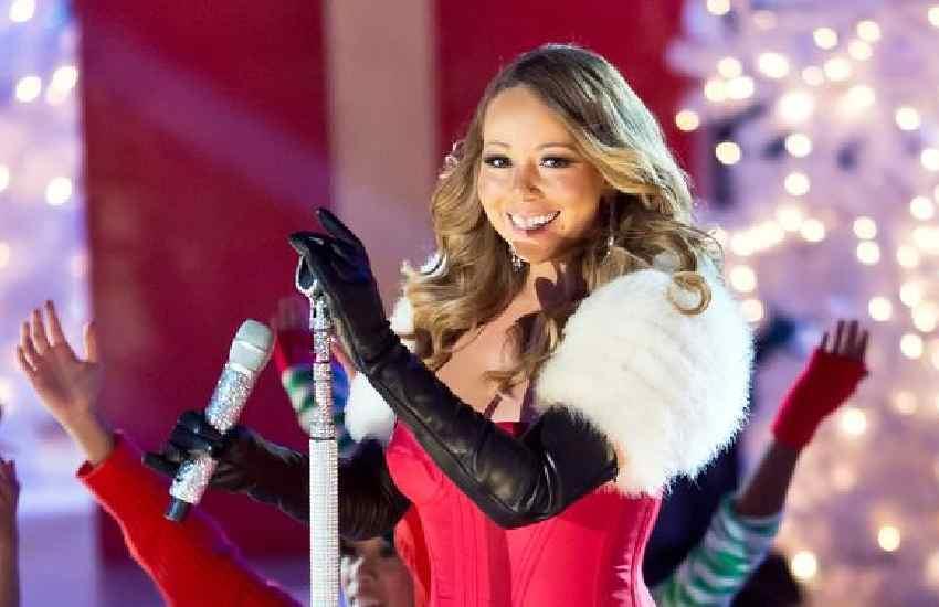 Mariah Carey forgets lyrics to 'Auld Lang Syne' while ringing in 2021
