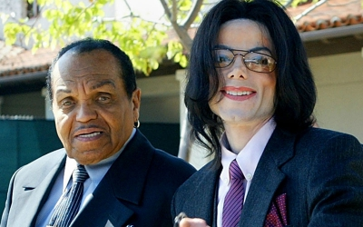 Michael Jackson's father rushed to hospital after accident