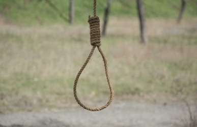 Shock as man hangs self after his wife allegedly refuses to open door for him