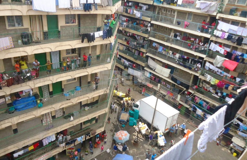 Eastlands thieves stealing wet clothes, githeri boiling on stoves