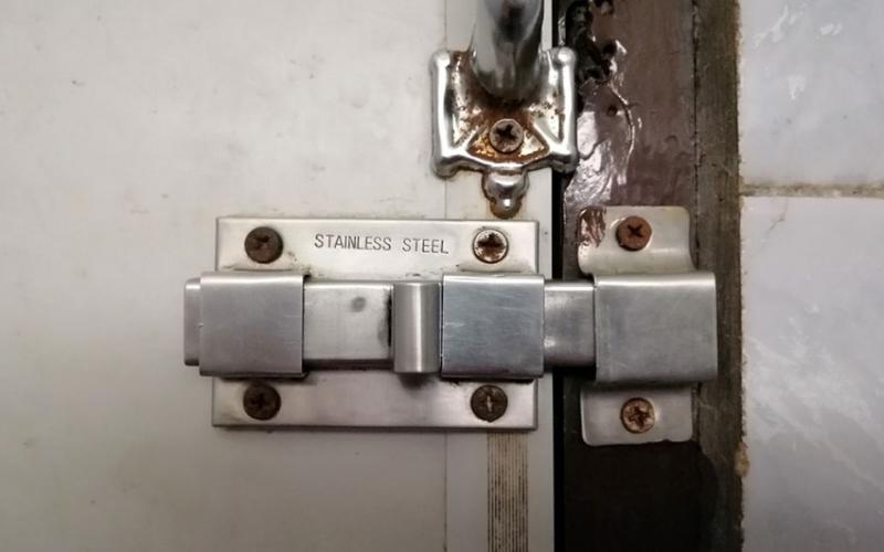 Worker locks boss in toilet, vanishes with Sh1.5 million