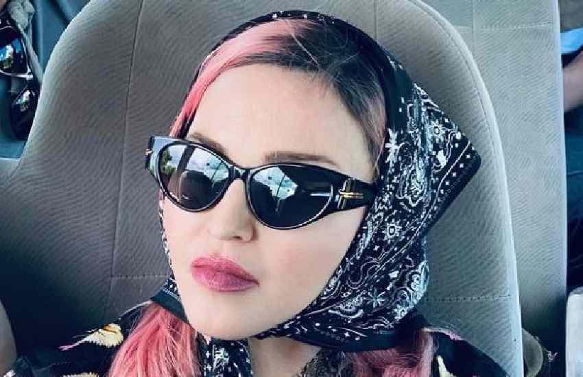 Madonna: Queen of pop in Kenya, tours Samburu