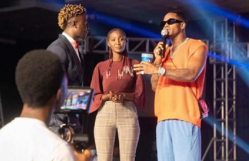 Diamond Platnumz surprises comedian with brand new car