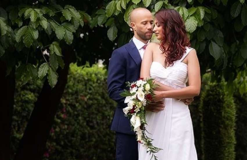 Actress Eve D'Souza weds Simon Anderson in private ceremony