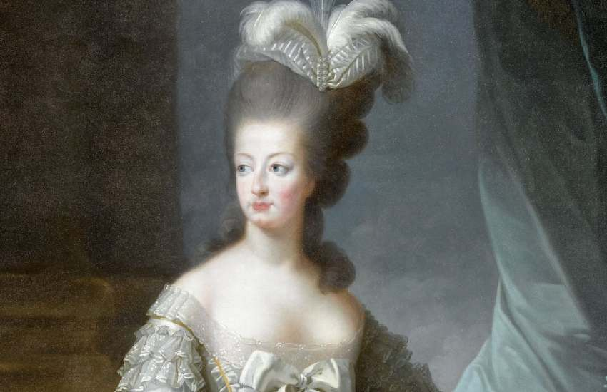 Marie Antoinette's silk shoe goes up for sale in Versailles