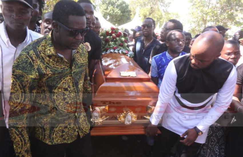 PHOTOS: Othuol buried as calls made for comedians to build brands