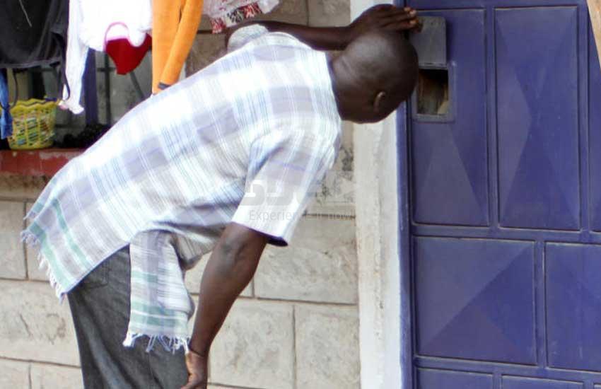 Gunmen storm rental house, shoot police officer dead