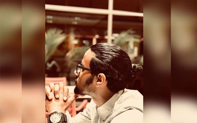 Meet Mahir, 18 year-old hunk shooter