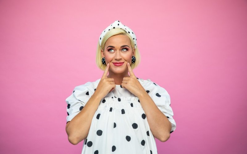 Katy Perry 'not afraid of the pain of childbirth' with baby's arrival days away