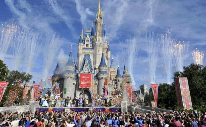Disney World actors ready to work after COVID testing dispute resolved