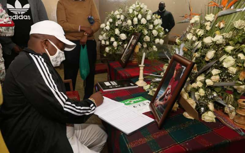 Exclusive: Mike Sonko joins Oliech and family, donates Sh400,000 for brother's funeral plans