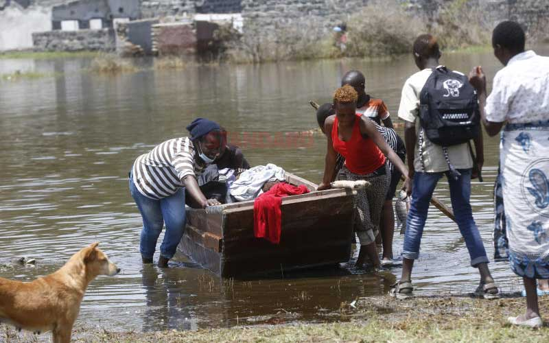 Farmers become fishermen as Lake Nakuru waters rise