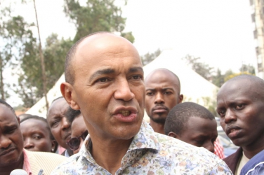 He keeps hurling insults: Peter Kenneth declares he will not enter into pact with Senator Sonko