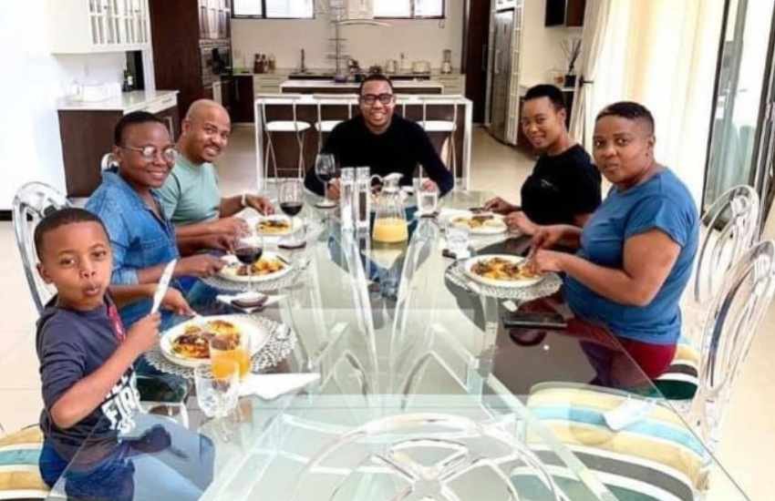 SA minister suspended for lunch with a friend during lockdown