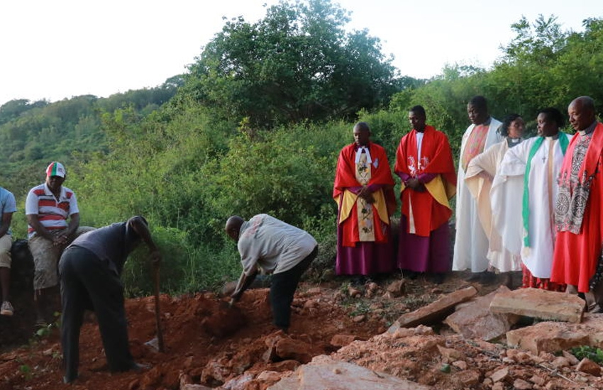 Row erupts in church after vandals dig up grave, take away skull