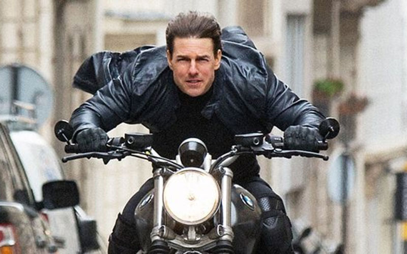 Tom Cruise 'furious' after motorbike accident on Mission Impossible set