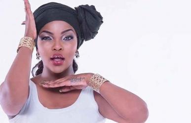 "Wema Septetu's ""kiss"" lipstick banned by Magufuli"