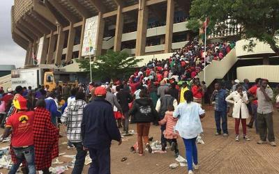 Crowd throng Kasarani Stadium for President Uhuru's Inauguration