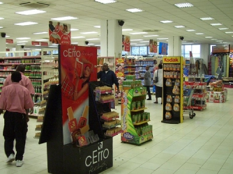 Old Expatriates can't resist beauty of supermarket girls