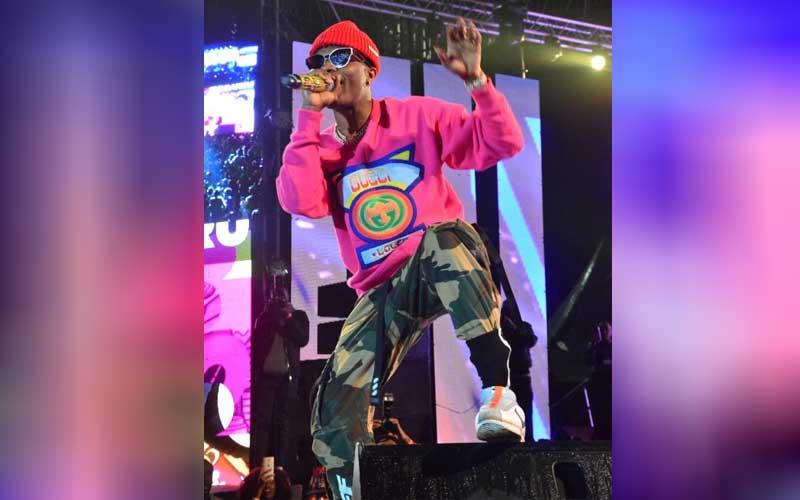 Nigeria's artist Wiz Kid performing at the Katika