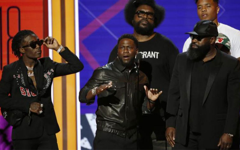 Kevin Hart introduces Meek Mill Photo: Reuters