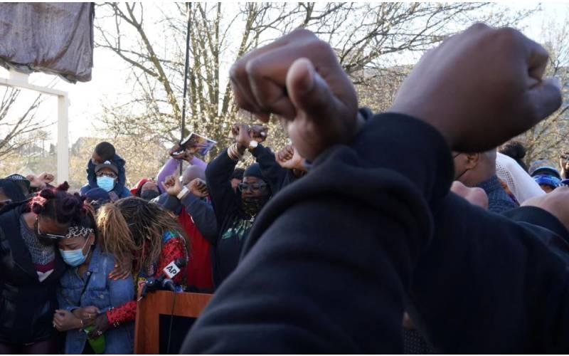 Prayer vigil called for rapper DMX outside New York hospital