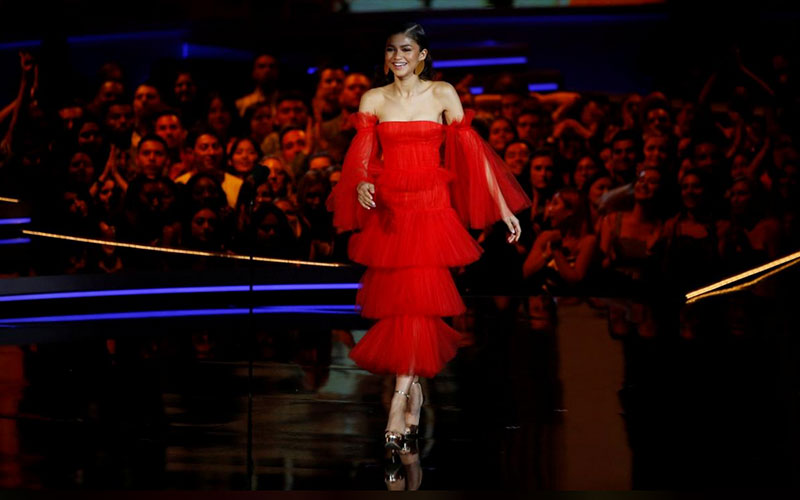 Zendaya takes the stage.  PHOTO: Reuters