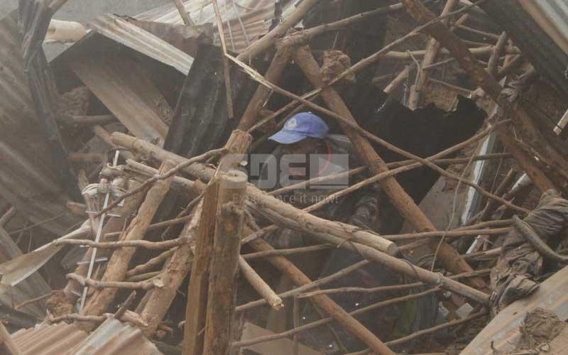 Lucky: Man barely escapes death in Kibera demolitions
